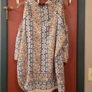 COLD SHOULDER BLOUSE BY NAIF SIZE 3X